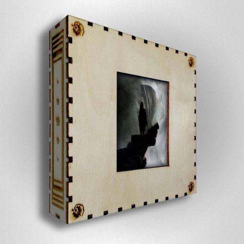 White Crown – Box